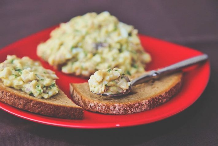 Рецепт паштета из селёдки по-домашнему.