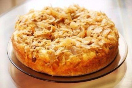 Вкусный и простой рецепт пирога с капустой в мультиварке.