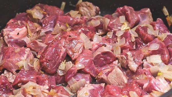 Домашний рецепт гуляша с говядиной.