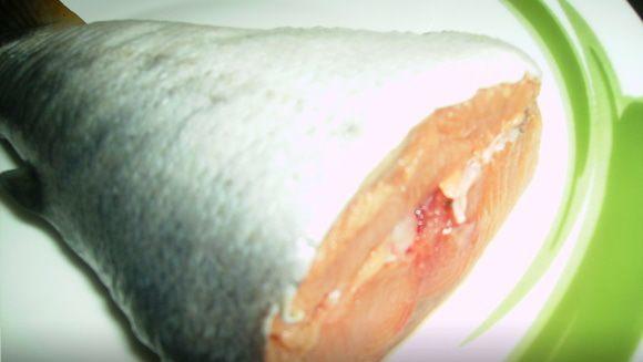 Вкусный суп из лосося по-домашнему.