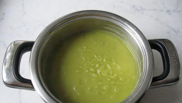 Суп-пюре из горошка в домашних условиях.