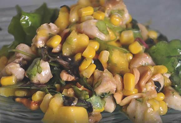 Простой рецепт приготовления домашнего фруктового салата.