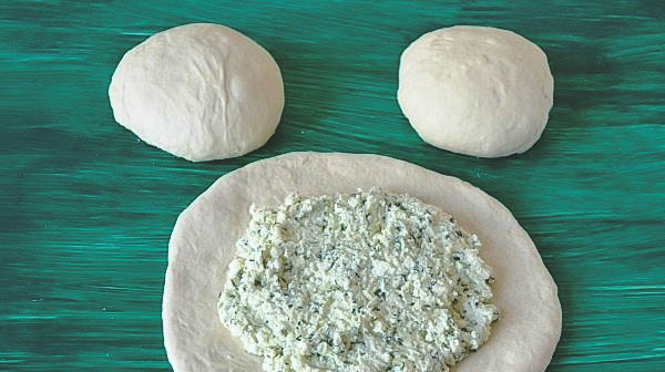 Как готовить пирог из сыра в домашних условиях?