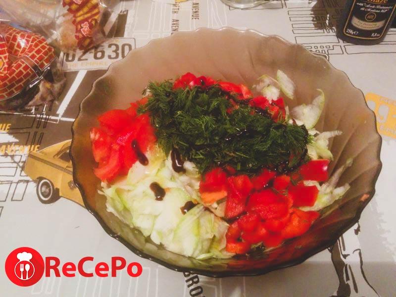 Вкусный салат из овощей.