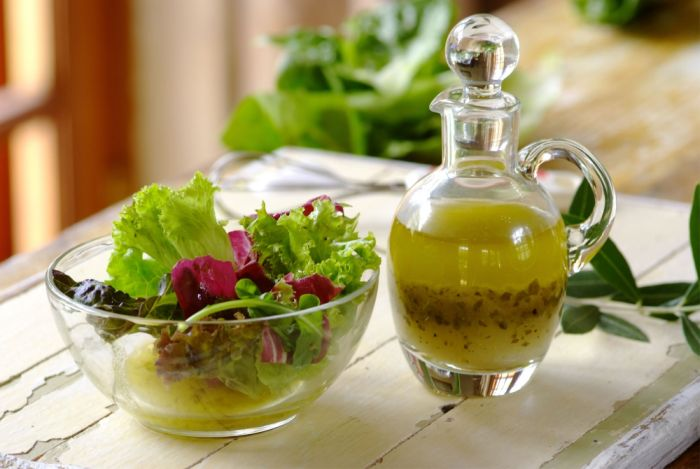 Готовим быстро в домашних условиях заправки для овощных салатов.