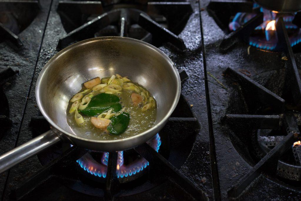 Вкусный суп из морепродуктов - Том Ям.