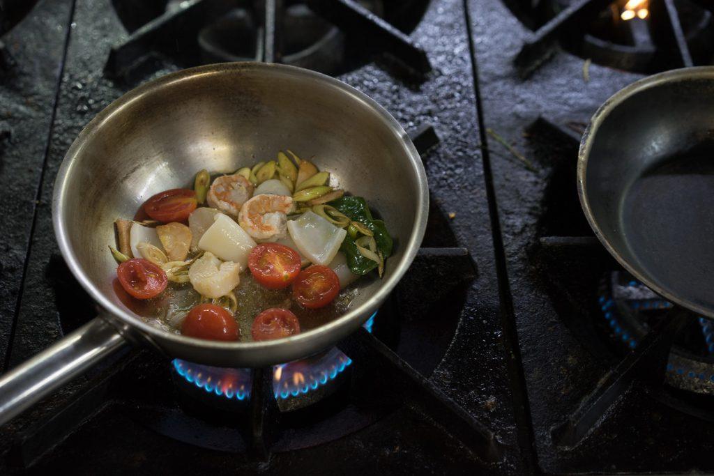 Как готовится вкусный суп Том Ям?