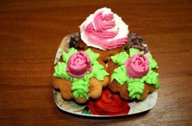 Рецепт бисквитных кексов в формочках в духовке.
