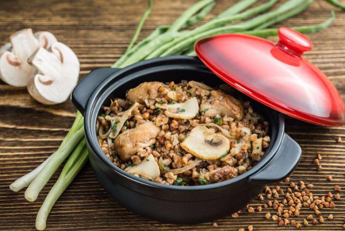 Рецепт приготовления гречневой каши с грибами в мультиврке.