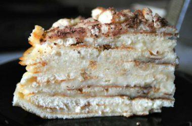 """Простой видео рецепт приготовления вкусного торта """"Минутка"""" в домашних условиях."""
