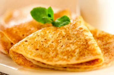 Как приготовить блины на манке и молоке?