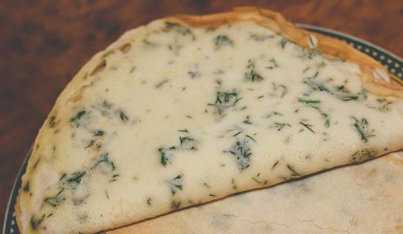 Вкусные блинные роллы с семгой и сыром. Простой рецепт.