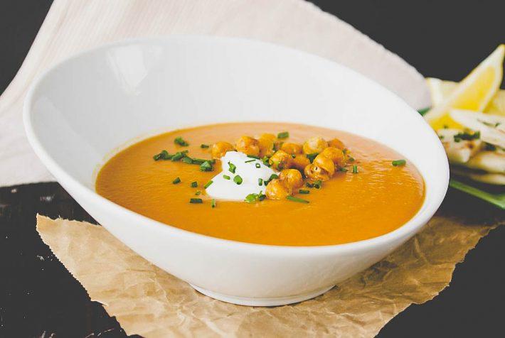 Вкусный рецепт крема-супа из чечевицы.