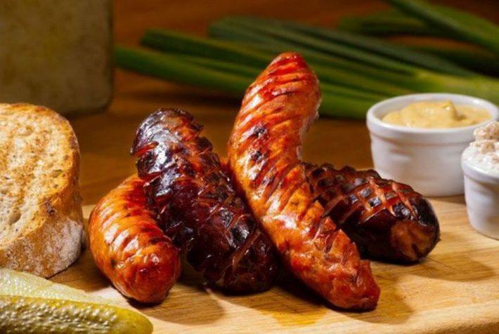 Рецепт вкусных чешских колбасок к пиву.