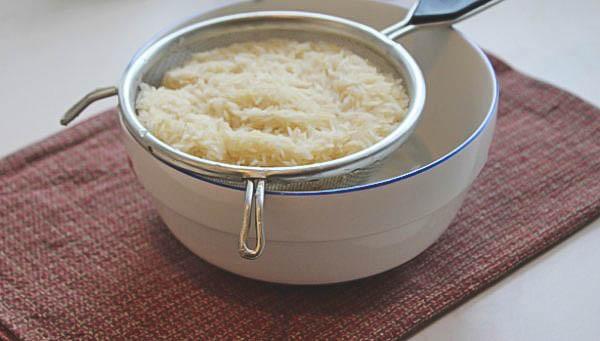 Как приготовить куриные грудки с рисом?