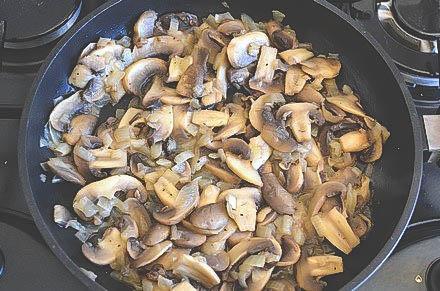 Простой рецепт вкусного домашнего супа в домашних условиях.