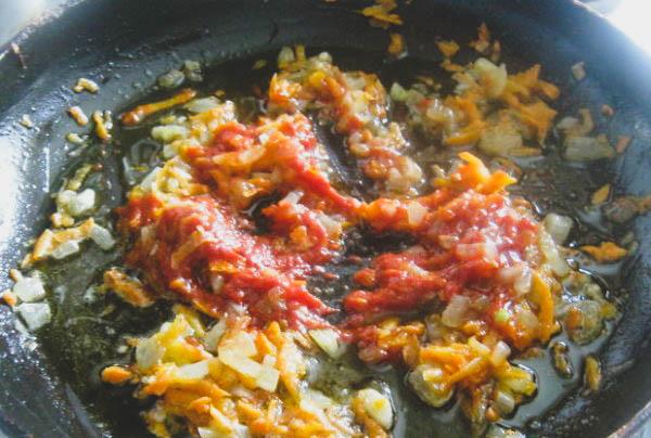 Как приготовить минтай с овощами?