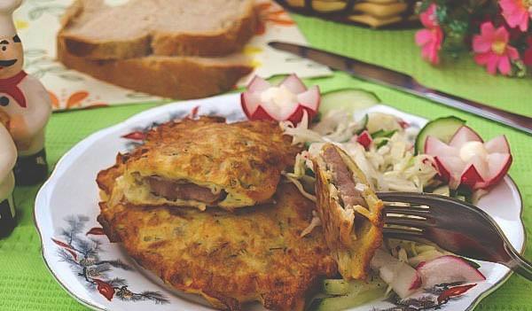Вкусный рецепт домашней свинины под картофельной шубой с сыром.