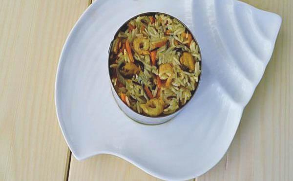 Рецепт домашнего плова с мидиями и креветками.