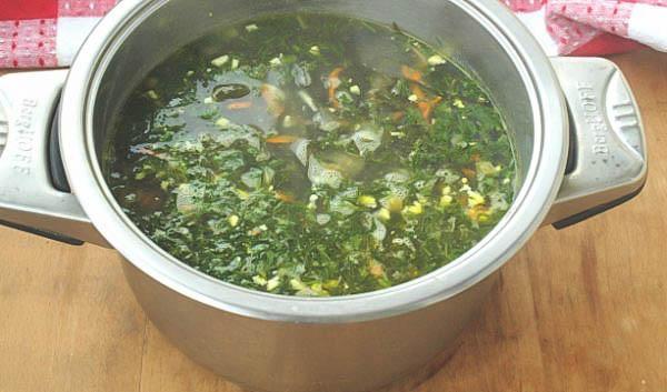 простой рецепт вкусного супа из морской капусты, яйца и курицы.
