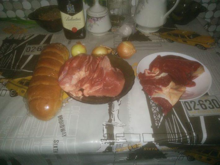 Как приготовить фарш из свинины и говядины в домашних условиях.
