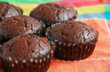 Рецепт приготовления шоколадных кексов в духовке в домашних условиях.