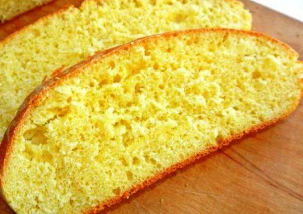 Как приготовить хлеб из кукурузной муки в простой домашней хлебопечке.